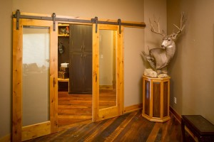 Rogue Valley Interior French 1501 in Knotty Pine