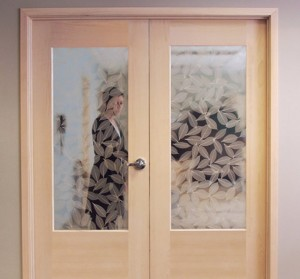 Rogue Valley Interior French Door 1503 in Maple with Natural Leaves